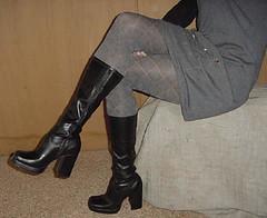 grey (silkyleggs) Tags: ballet tights pantyhose crossdresser leotard tightsfetish petternedtights