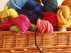 basket with soedan wool