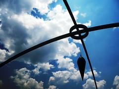 Foucault (-Passenger-) Tags: sky clouds photoshop colombia passenger pendulum zero medelln photoexplore