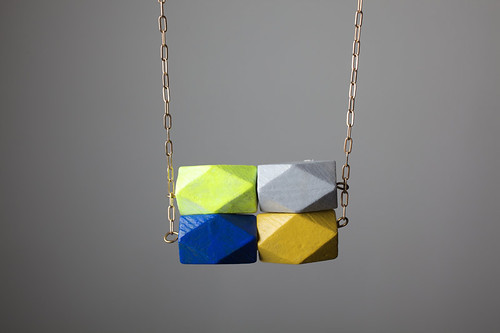 COLOR THEORY NECKLACE