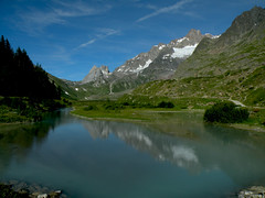 Il lago Combal in Val Veny (anto_gal) Tags: panorama trekking lago valle sentiero courmayeur montagna aosta 2010 valdaosta escursionismo combal escursione valveny