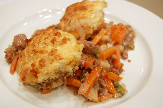 beef pot pie with cheddar biscuits