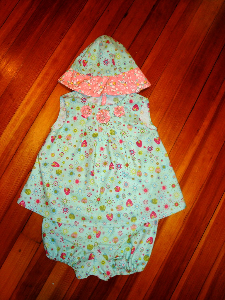Baby dress, sun hat & panties for baby shower gift