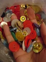 vintage (Lau Sew) Tags: old vintage buttons shapes precious formas antigos botões lotsofcolor muitascores