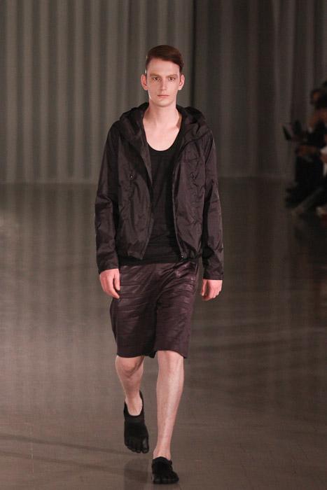 Vincent Hoogland3048_SS11_Tokyo_MOLFIC(Fashionsnap)