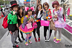 Harajuku Halloween Girls = Cute (tokyofashion) Tags: street pink costumes girls cute halloween stockings girl hat fashion japan hair japanese tokyo colorful toystory trickortreat stripes group makeup style sneakers bow tophat harajuku kawaii heels 2010 harajukugirls