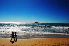 Benidorm (8mm & Other Stuff) Tags: sea sky people españa beach de island mar spain sand agua mediterranean beachlife arena cielo vacaciones mediterraneansea benidorm velva peacockisland nikond60 playadebenidorm