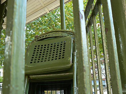 chaises du kiosque à musique.jpg