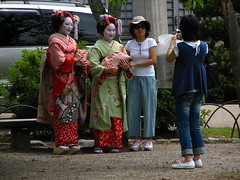IMG_2970 (ultraclay!) Tags: park travel vacation people woman japan women kyoto candid strangers geisha   unaware toblog unsuspecting ultraclay