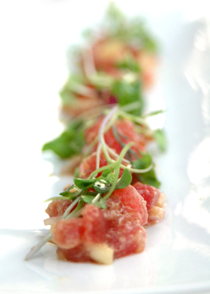 Tuna Tartare with Apples, Soy Sauce and Sesame Oil