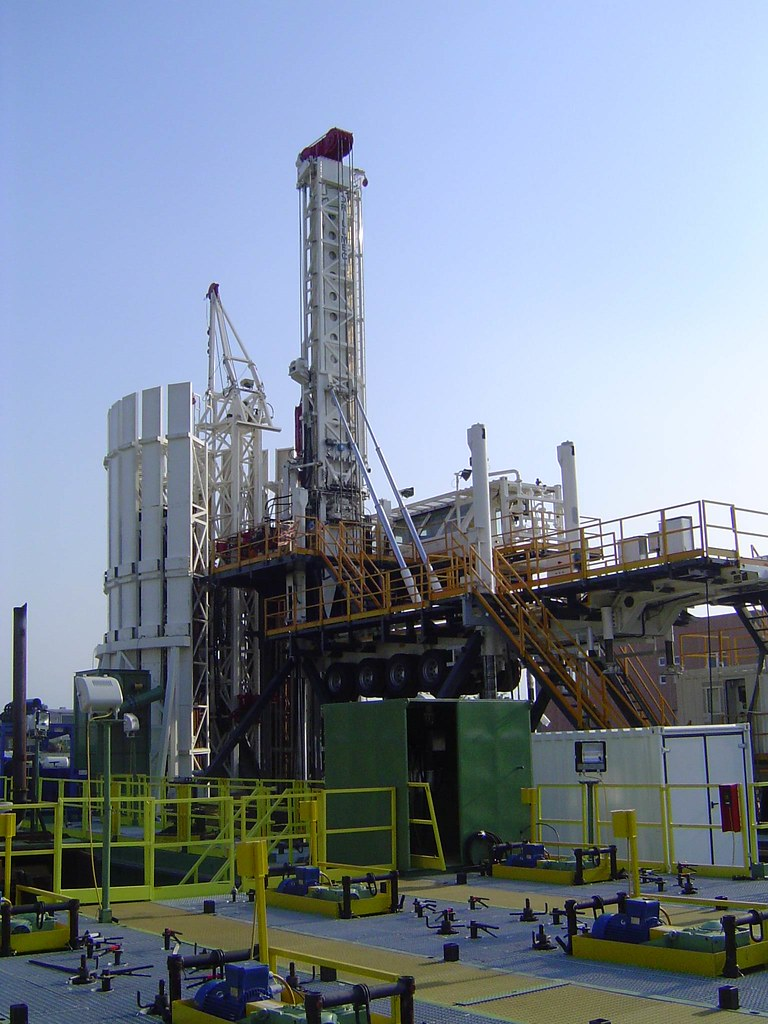 argumentative research essay off shore oil drilling Offshore drilling impacts and solutions environmental sciences essay  this research paper is to identify the consequences of offshore drilling to the marine lives .