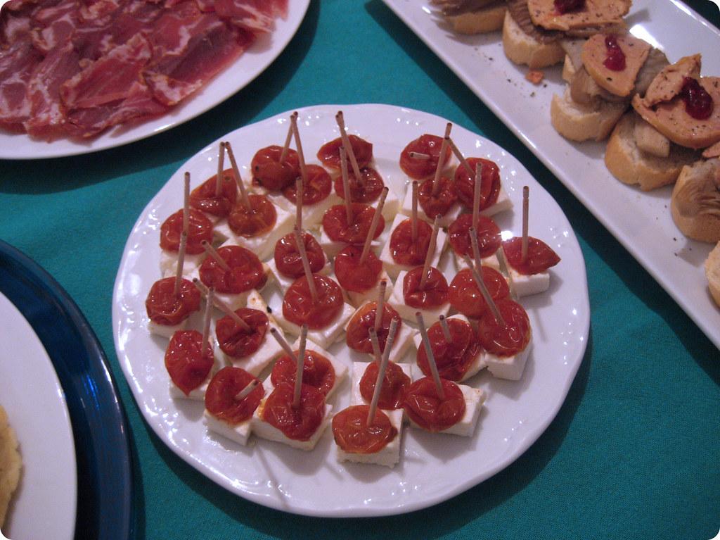 Tomates deshidratados con feta