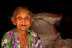 A Charming Javanese Lady (El-Branden Brazil) Tags: old indonesia asian java southeastasia elderly charming yogyakarta indonesian javanese