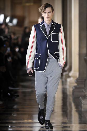 Anthon Wellsjo3024_FW10_Paris_Dries Van Noten(VOGUEcom)