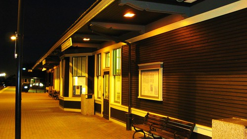 The Deerfield Illinois Metra commuter rail station. Tuesday night, October 19th, 2010. by Eddie from Chicago