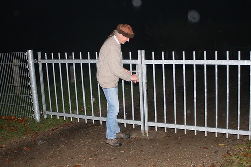 Reinhard Erichsen schließt zum Saisonende das Tor zu den Wikinger Häuser - Wikinger Museum Haithabu WHH 31-10-2010