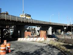 M174 New Willis Avenue Bridge Approach Ramp over Harlem River Drive, East Harlem, New York City (jag9889) Tags: new city nyc bridge ny newyork puente construction crossing harlem manhattan bridges ponte pont brcke hrd harlemriver willisavenue harlemriverdrive nycdot willisavenuebridge y2010 m174 jag9889
