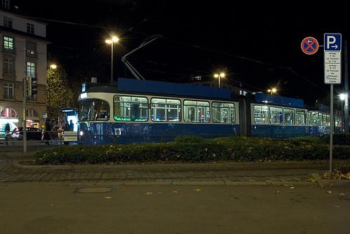 P-Wagen 2028 bei der Ausfahrt aus der Brunnenschleife am Sendlinger Tor