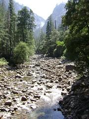 Yosemite NP (1) (Hlne_D) Tags: california park ca usa mountain montagne river waterfall nationalpark rando merced hike rivire yosemite yosemitenationalpark np sierranevada cascade parc yosemitevalley californie mercedriver vernalfalls randonne misttrail johnmuirtrail yosemitenp parcnational hlned