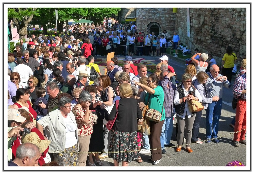 Crowds in Spello, 2010