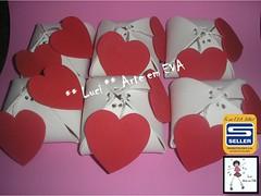 Porta bombom em EVA (Luci * Arte em EVA) Tags: eva artesanato coração em brinde presente enfeite lembrancinha embalagens portabombom portalembrancinha