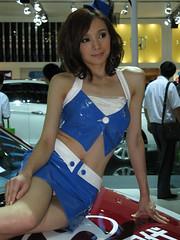 2010 Shenzhen International Auto Show (zikay's photography(no PS)) Tags: girl beauty model exhibition hyundai 车展 模特 走光 车模 现代 露底