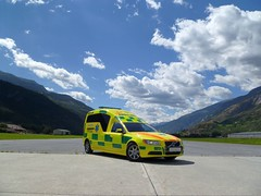 2010 Volvo Hochlang Nilsson Ambulance / Krankenwagen in der Schweiz / Switzerland (ACT Special Car Center AG) Tags: vw volkswagen was mercedes 4x4 ambulance t5 t3 rettung rtw act t1 t2 t4 t6 rettungswagen unfall ambulances koffer baus sprinter ambulanz ktw ambulanza ambulans blaulicht krankenwagen sanität krankentransportwagen