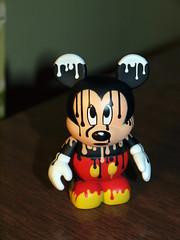 Paint Drip Mickey Vinylmation (jfer21) Tags: disney mickeymouse chaser paintdrip urban4 vinylmation olympuse620