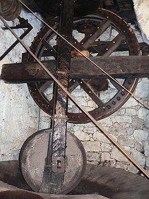 moulin à huile Sainte Lucie de T..jpg