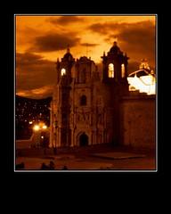 Iglesia (Hake) Tags: shadow sky luz mxico fdsflickrtoys iglesia cielo oaxaca oscuridad virado monocromatico retratonocturno