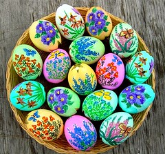 Painted Flower Easter Eggs (arctexas) Tags: flowers easter ooak craft handpainted eggs confettieggs eastereggs paintedeggs cascarone