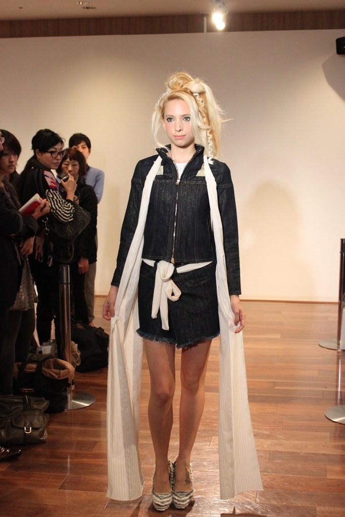 """Naoshi Sawayanagi Collection """"Japan Fashion Week in TOKYO 2010″ (16)"""
