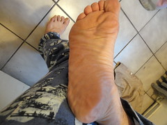 rightfoot (luvfeetinphilly) Tags: feet sweaty soles smelly stinky footfetish