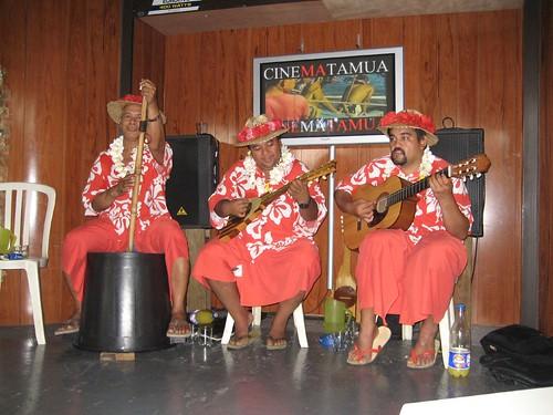 Tahitian trio