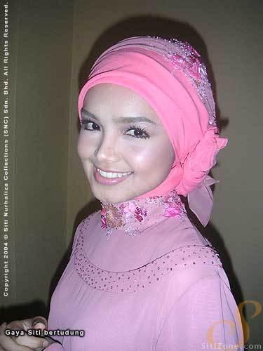 Gaya Tudung Siti Bertudung