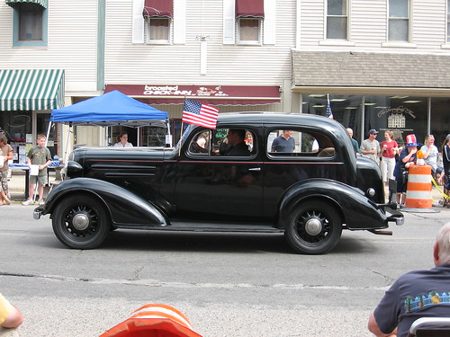 Art Deco Car2