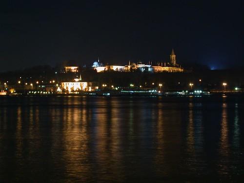 Óváros, este