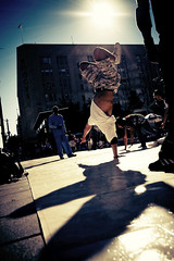 breakin' (puja) Tags: seattle street topf25 topf50 topf75 downtown breakdancing canon30d sigma1020 tenpositive