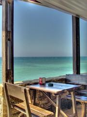 Mesa libre (agvnono) Tags: espaa bar mar andaluca cdiz hdr mesa tarifa photomatix torredelapea elchozo