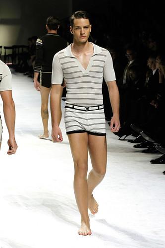 SS11_Milan_Dolce&Gabbana0023_Tomasz Pastyrczak(Official)