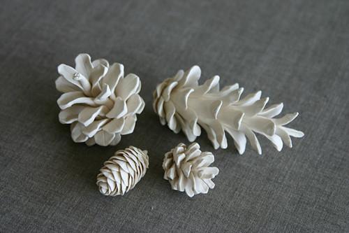 ceramic-pine-cones