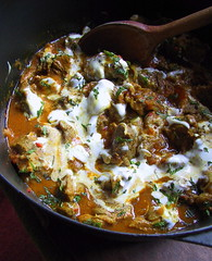 Lamb Curry with yoghurt & tomatoes