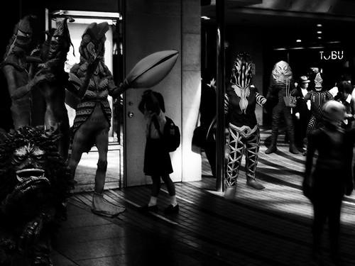 aliens in tokyo - ultrart -