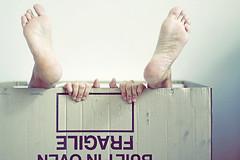 Raccolta differenziata (mickiky) Tags: woman selfportrait feet me girl myself donna hands box mani autoritratto remotecontrol fragile scatola piedi autoscatto paperboard cartone