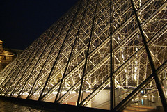 LouvrePyramid05f (scarletgreen) Tags: light glass museum architecture night pyramid louvre contemporary musedulouvre ieohmingpei louvrepyramid  grandlouvreproject