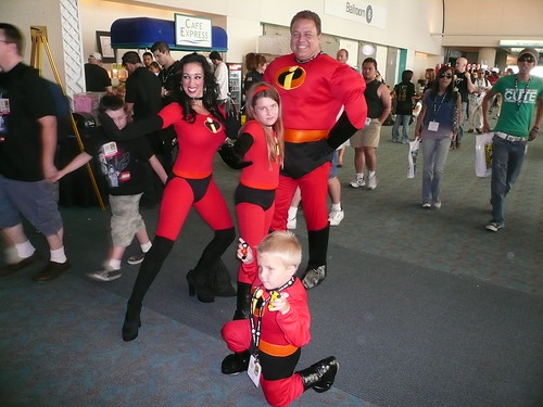 Incredibles cosplayer family, ComicCon 2007, San Diego, CA.jpg