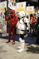 Red Stormtrooper and Scout Trooper (no_onions) Tags: starwars stormtrooper sdcc scouttrooper sandiegocomiccon2007