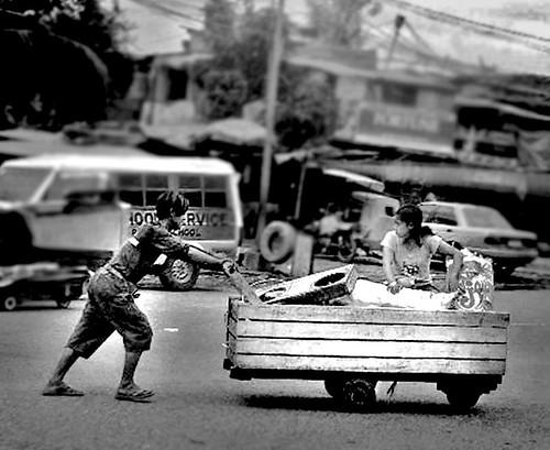 scavenger kariton cart cariton push  Pinoy Filipino Pilipino Buhay  people pictures photos life Philippinen  菲律宾  菲律賓  필리핀(공화국) Philippines scavenger recycler