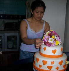 Finishing Touch (mvselim) Tags: freshflowers heartdesign orangefondantcake