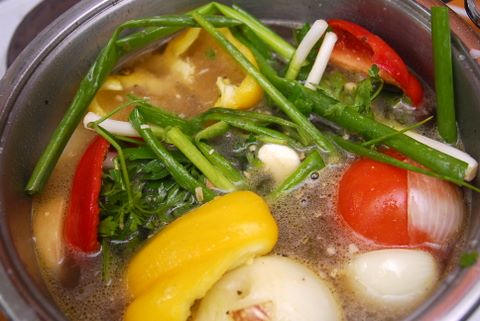 מרק ירקות (צילום: ניב קלדרון)